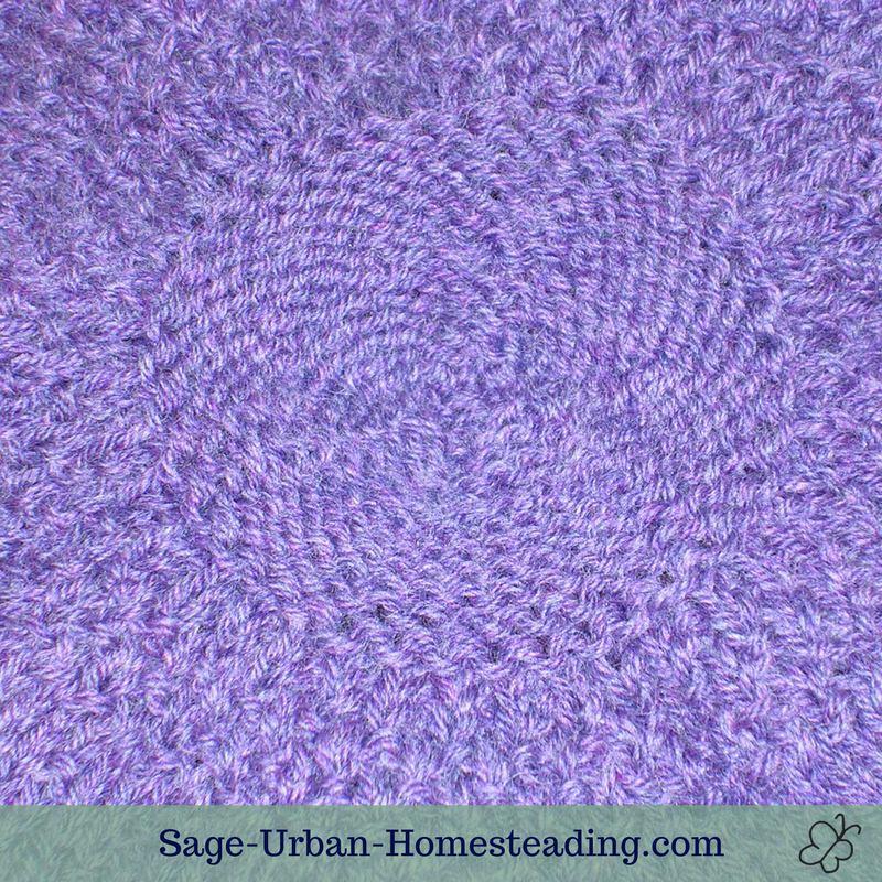knit beret detail